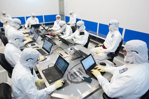 Intel-Bunnysuits-fab-845x500